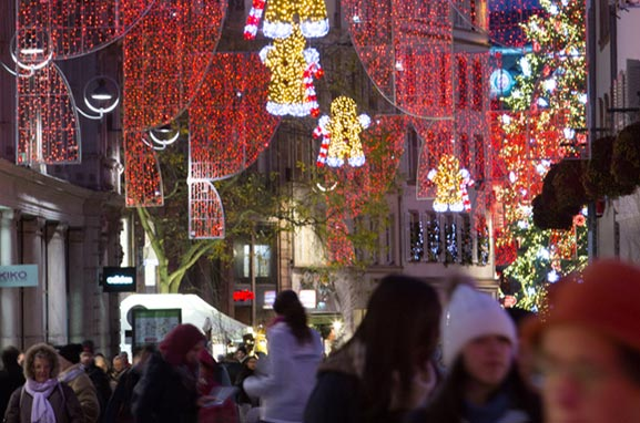 Iluminación decorativa de calles, plazas y espacios urbanos